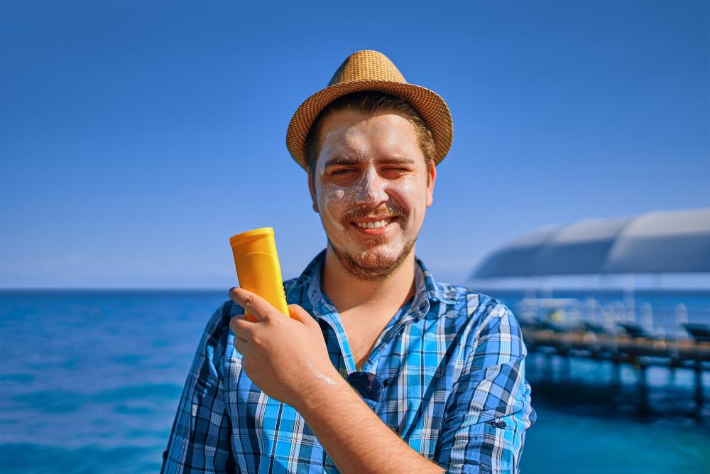 Pria pun Wajib Gunakan Sunblock, Cek 10 Rekomendasi Sunblock Pria agar  Terlindung dari Sinar Matahari (2020)