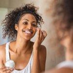 Pemakaian skincare secara rutin bisa memberikan hasil yang maksimal untuk kulit. Untuk produk skincare, tak ada salahnya memilih merek lokal karena banyak kelebihannya. Yuk, intip cara memilih skincare lokal yang bagus dan juga rekomendasi skincare dari Avoskin yang terbaik!