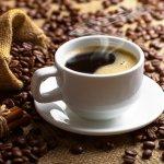 Kopi hitam jadi minuman wajib para pekerja jika ingin fokus seharian. Nah, kamu yang hobi minum kopi murni tanpa campuran bisa coba kopi hitam rekomendasi dari kami. Cek segera kopi hitam terenak ini ya!