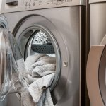 Mesin cuci adalah peralatan penting dalam rumah tangga untuk melindungi mesin cuci bukaan atas. Agar lebih awet, Anda bisa gunakan cover mesin cuci yang sesuai. Yuk, cek rekomendasi cover mesin cuci bukaan atas dari BP-Guide berikut!