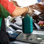10 Rekomendasi Cairan Pembersih Mesin Mobil Paling Efektif dan Ekonomis (2020)