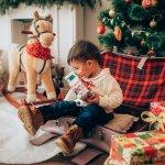 この記事では、2歳の男の子に喜んでもらえるクリスマスプレゼントをランキング形式でご紹介します。編集部がwebアンケートなどの調査結果をもとに厳選したものばかりなので、人気ブランドのアイテムやおすすめの商品が盛りだくさんです。平均相場や選び方も合わせて解説するため、ぜひ参考にしてみてください。