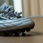 Sepatu futsal yang tepat dan berkualitas akan menunjang permainan Anda. Selain itu, Anda bisa mengeluarkan semua kemampuan terbaik dan bermain seperti professional dengan sepatu produksi Nike.