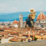 Negeri Italia tentunya menjadi pilihan yang tepat untuk Anda yang ingin melakukan wisata romantis. Italia memiliki banyak destinasi wisata yang memiliki arsitektur yang indah, kaya sejarah, dan makanan yang lezat.   Nah, pergi ke negeri pizza ini tentunya Anda mesti membawa oleh-oleh khas Italia. Berikut rekomendasi dan ulasannya untuk Anda.