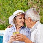 Hadiah ulang tahun pernikahan ke - 50 biasa disebut juga dengan ulang tahun emas. Momen yang sangat spesial ini sebaiknya dirayakan bersama dengan keluarga besar serta anak dan cucu. Berikut ini tersedia banyak tips mudah untuk merayakan ulang tahun ke - 50.