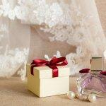 法人・取引先の方への結婚祝いは、家族や友人とは違い、特に気を遣う必要があります。今回は喜ばれるプレゼントをランキング形式で【2019年最新版】としてまとめました。どんなものが喜ばれるのか、選び方や予算も調査しましたので、ぜひ素敵なプレゼント選びの参考にしてください。