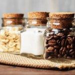 コーヒーギフトは、お祝い事などのギフトにはもちろんのこと、プチギフトとしても人気です。この記事では、編集部がwebアンケートの調査結果などを元にして厳選した、コーヒー好きが喜ぶプレゼントを自信を持って紹介します。贈り物におすすめのコーヒーグッズがひとめでわかるランキング形式にしているので、ぜひ最後までチェックして商品選びに役立ててください。