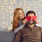 Valentine có lẽ là ngày lễ mà các cặp đôi mong chờ nhất trong năm. Không chỉ những đôi lứa yêu nhau mà ngay cả các cặp vợ chồng cũng xem như đây chính là dịp lý tưởng để cùng nhau hâm nóng lại tình cảm. Bạn đã chuẩn bị được gì để dành tặng cho chồng yêu của mình chưa? Hãy tham khảo ngay gợi ý 10 món quà Valentine cho ông xã ý nghĩa nhất (năm 2021) để dễ dàng tìm được món quà ưng ý nhé!