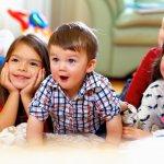 Hello readers, apakah sebentar lagi Anda harus menghadiri pesta ulang tahun anak sanak keluarga atau teman Anda yang masih balita? Atau jangan-jangan, balita Anda yang akan berulang tahun? Kalau jawabannya ya dan kebetulan Anda bingung menentukan hadiah yang bisa mendidik dan mengembangkan kreativitasnya, Anda bisa simak rekomendasi-rekomendasi BP-Guide berikut.