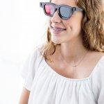 Bagi mereka yang mengalami masalah kesehatan, kacamata ternyata bisa juga menjadi salah satu alat terapi. Tidak hanya masalah pada mata, kacamata terapi ini juga bisa dijadikan sarana untuk menyembuhkan penyakit lainnya.