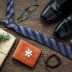 毎日の暮らしで重宝する財布は、彼氏へのクリスマスプレゼントに人気です。手に取るたびにクリスマスの思い出がよみがえるので、愛着がわきやすく2人の仲もさらに深まるでしょう。そこで今回は、編集部が調査をもとに厳選した財布の人気ブランドを、ランキング形式でご紹介します。定番ブランドや通販で話題のブランド情報もまとめているので、プレゼント選びにぜひお役立てください。