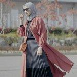 Kepopuleran busana muslim untuk wanita sudah tidak perlu diragukan lagi. Ada banyak outfit untuk hijaber yang selalu trendi dan fashionable. Seperti outfit bernama rok, sekarang ini kamu tidak usah bingung lagi jika ingin berpenampilan syar'i namun tetap kekinian. Yuk, cek dulu artikel dari BP-Guide berikut ini!