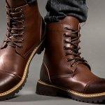 Sepatu boots pria kini populer dalam dunia fashion karena dapat menambah kesan gagah pada penampilan. Sepatu boots yang hadir dalam beberapa jenis bisa kamu gunakan untuk berbagai jenis kegiatan pula. Yuk, miliki salah satu sepatu boots keren berikut ini!