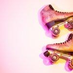 Sepatu roda adalah mainan yang asik dan bisa menguji adrenalin. Bermain sepatu roda juga bisa bikin badan jadi lebih sehat. Nah, kalau kamu berniat menekuni aktivitas satu ini, kamu wajib tahu beberapa hal saat akan membeli sepatu roda, simak bersama pembahasannya bersama kami!