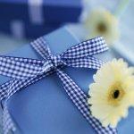 誕生日という特別なイベントには、相手に喜んでもらえるような素敵なプレゼントを贈りたいですよね。今回は、男子高校生におすすめの誕生日プレゼントのアイデア35選をお届けします!なにを贈ればいいのか迷っている人は、男子高校生がもらって嬉しいアイテムはどんなものなのか、プレゼント選びのポイントと一緒にチェックしてみてくださいね。