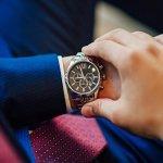 腕時計は男性がもらって嬉しいプレゼントのランキングで上位にあがる人気アイテムです。また、女性が男性に贈りたいプレゼントランキングに入ることも多く、腕時計は男性へのプレゼントの定番アイテムです。そんな腕時計の中でも、今回は精密機械に強いブランドイメージのあるカシオからGショックやオシアナス、プロトレックなど人気シリーズのメンズ腕時計をシリーズ別に紹介します。素敵なプレゼント選びの参考にご覧ください。