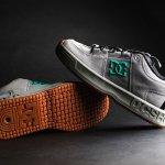 Sepatu skate menjadi salah satu jenis sepatu yang banyak diminati karena desainnya yang keren dan nyaman di kaki. Meski disebut sebagai sepatu skate, tapi sepatu ini juga oke untuk dipakai harian, lho. Yuk, miliki salah satu koleksinya!