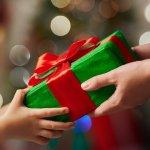子供たちが楽しみにしているクリスマスには、心から喜んでもらえるプレゼントを贈りましょう。この記事では、小学4年生の男の子へのクリスマスプレゼントにぴったりの商品をランキング形式でたっぷりと紹介しています。webアンケート調査など実際のデータをもとに編集部で厳選した人気商品が揃っているので、プレゼント選びに迷っている人は必見です。