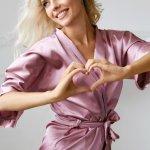 Banyaknya model, warna, dan jenis baju tidur terkadang membuat para wanita bingung atau bahkan kurang tepat dalam memilih baju tidur. Kali ini BP-Guide merekomendasi baju daster berkualitas bagus yang nyaman digunakan sebagai baju tidur. Yuk, cari tahu bersama BP-Guide!