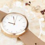 母の日のプレゼントに贈る人気の腕時計について、2020年最新版をランキング形式でご紹介します。女性的なファッションが多い母親であれば、ブレスレットのような細身でラインストーンがついたラグジュアリーな腕時計を選ぶとアクセサリー感覚で付けることができて喜ばれます。ぜひ参考にご覧ください。