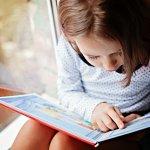 Membacakan buku cerita untuk anak adalah bentuk quality time antara orang tua dan anak yang tidak akan pernah tergantikan. Selain merangsang pertumbuhan otak anak, membacakan buku cerita membawa berbagai dampak baik mulai dari peningkatan kemampuan literasinya sampai kecakapannya dalam memahami berbagai kalimat. Ingin tahu buku rekomendasi dari BP-Guide? Simak, ya!