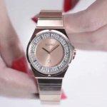 Seiko telah lama menjadi salah satu merek jam tangan yang diperhitungkan. Jam tangan ini memadukan desain yang trendi dan teknologi yang berkualitas. Berbagai model jam tangan Seiko cocok untuk gaya hidup sehari-hari dan harganya pun relatif terjangkau. Model-model jam tangan Seiko untuk wanita berikut ini bisa disesuaikan dengan kebutuhanmu. Penampilanmu makin serasi jika bisa memilih model jam tangan Seiko yang sesuai.