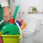 Membersihkan kamar mandi terkadang menjadi menyebalkan ketika sulit menghilangkan noda yang ada pada perabot kamar mandi tersebut. Namun, jangan khawatir karena BP-Guide memiliki 10 cairan pembersih terbaik yang bisa digunakan saat membersihkan kamar mandi. Check it out!