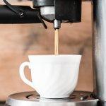Ceriakan harimu dengan secangkir kopi yang lezat di pagi hari. Untuk membuat kopi terenak tentu kamu butuh mesin kopi terbaik. BP-Guide punya rekomendasi mesin kopi terbaik untuk kamu loh!