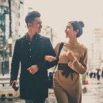 Tampil kompak dengan pasangan bisa ditunjukkan melalui apa saja, salah satunya dengan memakai baju couple. Baju couple tidak harus kembaran, yang penting serasi dan senada. BP-Guide punya rekomendasi berpakaian kompak dengan pasangan, melalui gaya 13 pasangan Indonesia berikut ini. Simak yuk!