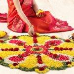 धनतेरस पांच दिवसीय दिवाली महोत्सव में  दिन है। धनतेरस में धन का अर्थ पैसा होता है और तेरा शब्द 13 वें दिन से आता है।यह त्योहार पूरे भारत में मनाया जाता है। इस दिन देवी लक्ष्मी की पूजा धन और समृद्धि के लिए की जाती है। इस दिन लोग द्वार खोलकर और दीप जलाकर देवी लक्ष्मी का स्वागत करते हैं। घर में उसका स्वागत करने के लिए रंगोली डिज़ाइन या अल्पना बनाई जाती हैं। नीचे हमने आपको देवी के स्वागत के लिए रंगोली के  विकल्प दिए हैं।