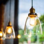 Lampu pendant menjadi pilihan utama bagi setiap orang yang ingin menjadikan ruangan lebih indah dan bercahaya. Anda sedang mencari produk lampu pendant yang pas dengan ruangan Anda? Simak dulu rekomendasi dari BP-Guide berikut ini.