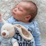 शिशु की कोमल, नाजुक त्वचा जैसा कुछ भी नहीं। कई शिशुओं को अपने पहले कुछ महीनों में त्वचा में जलन होने की शभवना होतीहै और श मुँहासे हो सकते है। यहाँ आप इसके बारे में क्या कर सकते है और इसके क्या कारण है के बारे में जानगे।