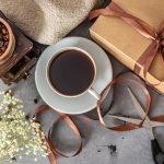 この記事では、webアンケート調査をもとに、父の日のプレゼントにぴったりなコーヒーのギフトをランキング形式でまとめました。人気ブランドの豆やドリップコーヒーなどだけでなく、コーヒーブレイクを楽しむためのグッズも紹介しています。ベストプレゼント編集部が厳選した商品だけを集めているので、父の日のプレゼントを探している人はぜひチェックしてください。