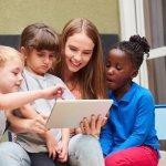 Buku merupakan jendela dunia. Sayangnya, anak-anak zaman sekarang malah sulit diajak membaca. Perkenalkan saja membaca melalui gadget. Anak tentu lebih bersemangat jika bukunya hadir dalam bentuk softcopy dan bisa dibaca pada gadget. Kecanduan anak pada gadget jadi bisa lebih positif. Intip yuk, aneka rekomendasi buku PDF bergambar dari kami!