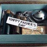 お父さんへの感謝の気持ちを伝える父の日、何をプレゼントしようか迷ってしまいますよね。この記事では新しい物好きなお父さんの笑顔が引き出せる、最新グッズをご紹介します。せっかくの父の日、「いつもありがとう」や「お仕事お疲れ様」といった気持ちと一緒に贈ってみてはいかがでしょうか。どういった最新グッズが喜ばれるのかご紹介しますので、プレゼント選びにぜひ役立ててくださいね。