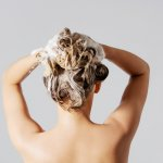 Membersihkan rambut tak bisa sembarangan. Jika sampo yang dipakai tak cocok tentu bisa menyebabkan kerusakan rambut. Untuk itu pilihlah sampo sesuai jenis rambut. Lalu bagaimana kalau ingin mencoba sampo termahal? Simak rekomendasinya berikut ini.