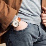 Kurang lengkap rasanya jika penampilan Anda tidak disertai dengan jam tangan. Sebagian orang menganggap jam tangan merupakan item wajib yang harus digunakan agar terlihat elegan. Oleh karena itu, jam tangan yang orisinal harus dipilih agar lebih awet dan tahan lama. Selain orisinal, tentunya jam tangan harus terlihat menarik agar dapat membuat Anda semakin percaya diri.