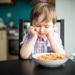 Sebagai orangtua, kita akan memberikan segala hal yang terbaik untuk buah hati. Kadang apa yang baik untuk buah hati tidak disukai anak. Misalnya saja saat makan, kita ingin memberikan banyak buah dan sayur namun mereka kurang suka rasanya. Jika anak sudah mulai rewel makan, maka Anda wajib cek tips untuk menghadapi anak yang susah makan dari BP-Guide!