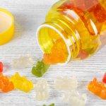 Vitamin C adalah salah satu vitamin yang dibutuhkan dalam tumbuh kembang anak. Jika si kecil mudah sakit dan terserang flu, sudah saatnya Anda memberikan vitamin C. Tengok segera rekomendasi suplemen vitamin C anak dari kami, ya!