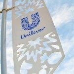 Produk Unilever memang sudah tidak asing lagi bagi masyarakat Indonesia. Hampir sebagian besar kebutuhan rumah tangga pasti menggunakan produk Unilever. Nah, kira-kira produk Unilever yang mana saja sih yang sukses terjual di Indonesia? Yuk, langsung cek!