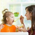 今回は出産祝いにおすすめの、子供用エプロンの2021年最新情報をご紹介します。手入れが簡単で使いやすい食事用エプロンや、見た目も可愛らしいドレスエプロンなど、人気のプレゼントが目白押しです。ぜひ参考にして素敵なプレゼントを贈りましょう。