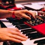 Keyboard menjadi alat musik yang seru untuk dimainkan. Kamu bisa memainkannya sendiri atau dalam format band. Produk yang satu ini banyak diminati untuk dimiliki. Kamu yang ingin keyboard harga terjangkau, bisa cek rekomendasi kami berikut ini, ya!