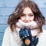 女性の方へのプレゼントには、おしゃれな手袋がおすすめです。今回は【2020年最新版】寒い季節に愛用されるレディース用のおしゃれな手袋をご紹介します。様々なデザインや、スマホ対応のものなども展開されているので、ぜひ参考にしてください。