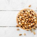 Kacang bawang adalah camilan lezat yang disukai semua kalangan. Cara membuatnya sangat mudah dan tidak membutuhkan waktu lama. Simak artikel BP-Guide ini untuk mencari tahu resep membuat kacang bawang dan kacang bawang siap santap yang lezat.