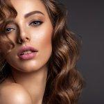 10 Tren Makeup yang Populer di Tahun 2020 dan Banyak Menjadi Perbincangan