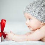 Memberikan kado pada bayi berusia 5 bulan mungkin tidak begitu sulit karena ada banyak pilihan barang yang bisa dipilih. Namun, jika Anda bingung harus memberikan kado apa pada bayi keluarga atau rekan Anda, simak rekomendasi dari BP Guide berikut.