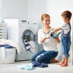 Mesin cuci satu tabung terdiri dari dua jenis, yakni atas dan depan. Perbedaan tersebut terlihat dari arah memasukkan pakaiannya. Meskipun demikian, mesin cuci satu tabung tetap memudahkan dan lebih efektif ketika digunakan. Berikut rekomendasi mesin cuci satu tabung yang terbaik untuk Anda.