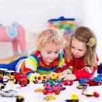 Masa anak-anak adalah salah satu waktu paling penting. Pada tahap ini, anak-anak cenderung memiliki kreativitas dan imajinasi yang lebih daripada orang dewasa. Tumbuh kembang anak-anak dapat dipengaruhi berbagai macam hal termasuk waktu bermain. Meski tampaknya sepele, ternyata kegiatan bermain dengan jenis mainan yang edukatif bisa menunjang berbagai aspek perkembangan diri anak-anak seperti dalam referensi berikut ini
