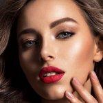 Anda memiliki kulit sawo matang? Gak perlu khawatir memilih makeup yang tepat. Terutama untuk lipstik yang cocok untuk kulit Anda. Berikut BP-Guide rekomendasikan beberapa warna lipstik yang bisa digunakan untuk pemilik kulit sawo matang. Simak juga trik menarik untuk memilih warna kulit sawo matang.