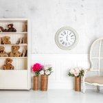 Jam dinding kini tidak hanya sekadar menjadi penunjuk waktu, tapi juga berfungsi sebagai dekorasi ruang yang bernilai estetik. Buatlah ruangan di rumah lebih mempesona dengan menambahkan jam dinding model unik dan modern untuk memberikan suasana baru pada dekorasi ruangan.